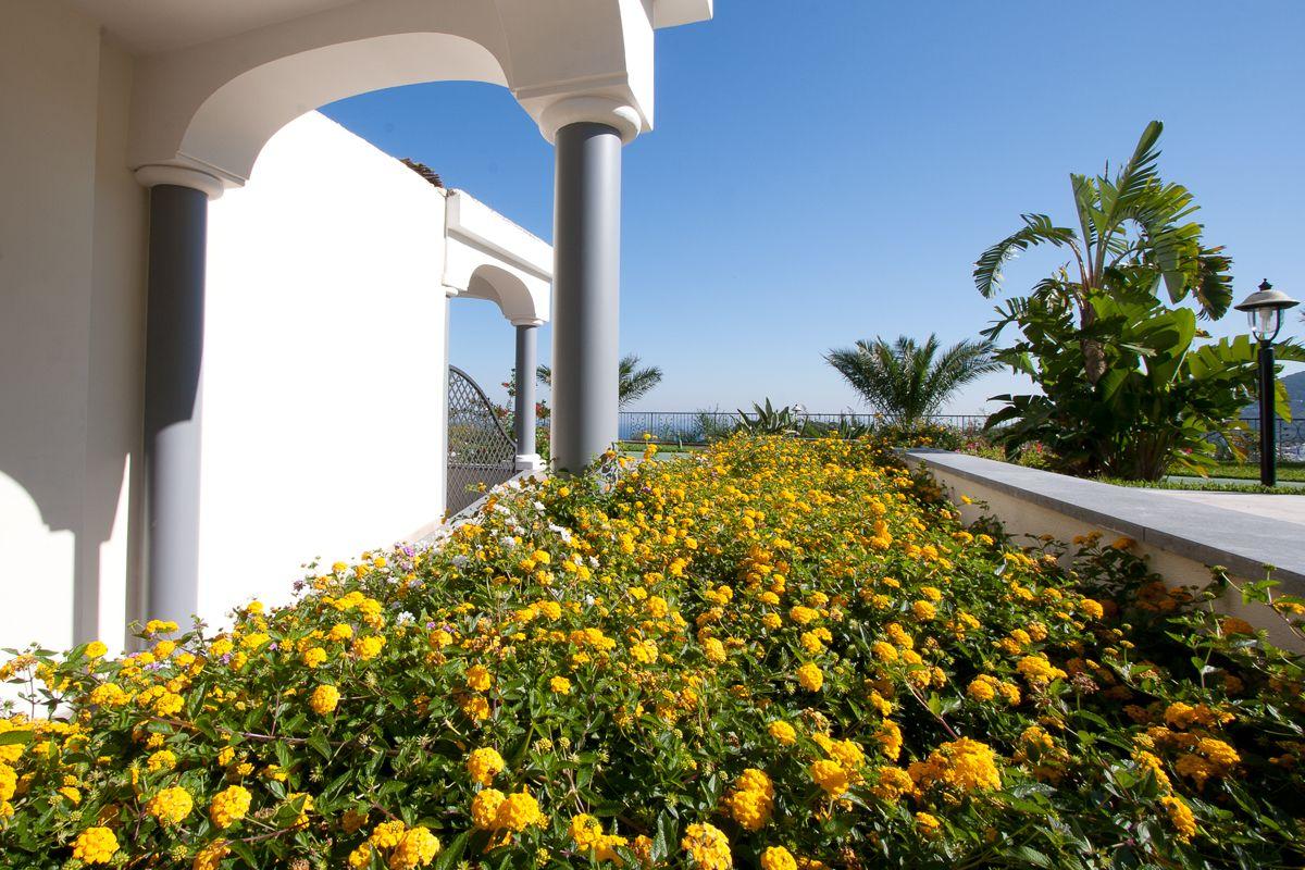 Zimmer mit Terrasse un Meerblick Resort Grazia Terme & Wellness